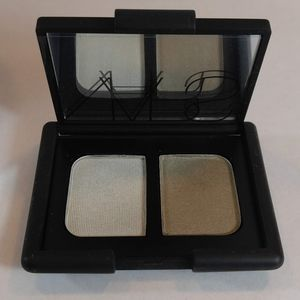 NARS  Duo in Vent Glace